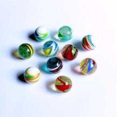 Schlieren Glasmurmeln in Kugelbox 20mm