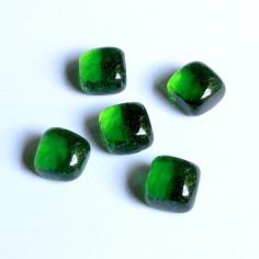 Glasnuggets Würfel im Netz grün