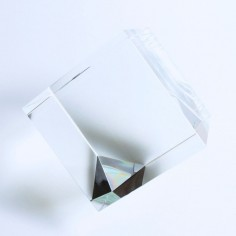 Kristallglaswürfel mit Standfläche 100 mm