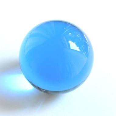 Kristallglaskugel hellblau
