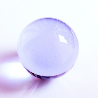 Kristallglaskugel lila