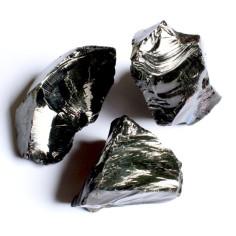 Glasbrocken schwarz opak ca. 40-80 mm